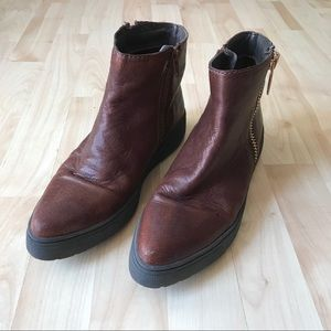 Chelsea Crew Leather Flat Pointed Booties Size 9